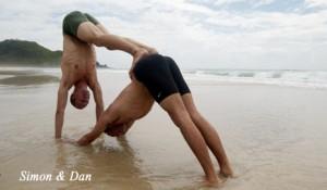 partner-dog.handstand-4