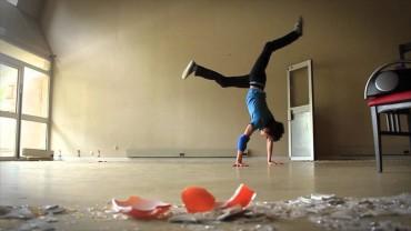 Yoga Breakdancing
